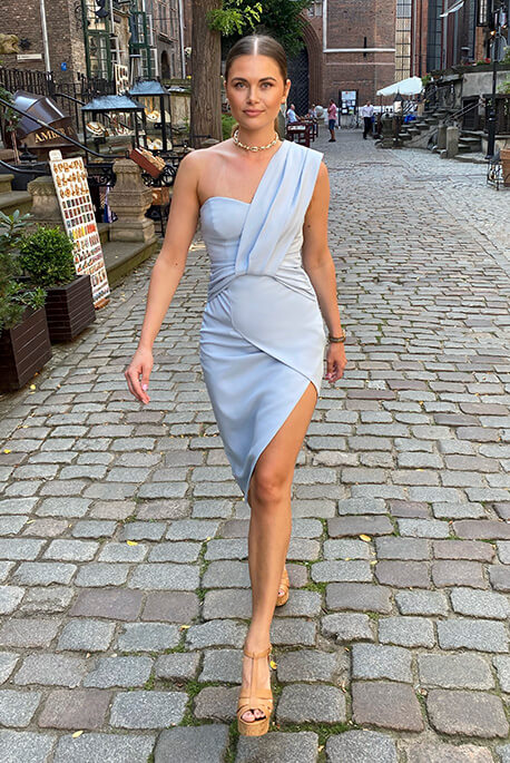 Greta błękitna sukienka na wesele Illuminate
