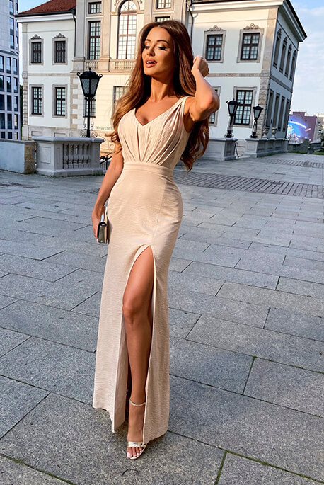 Honey beżowa maxi sukienka na wesele Illuminate
