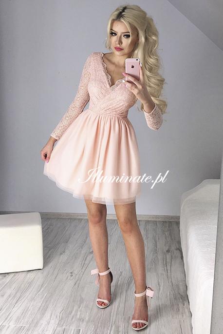 Bella brzoskwiniowa sukienka