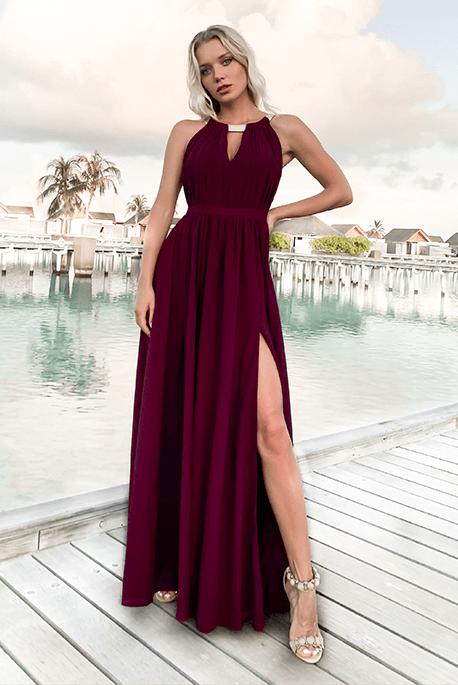 Bordowa długa sukienka na studniówkę