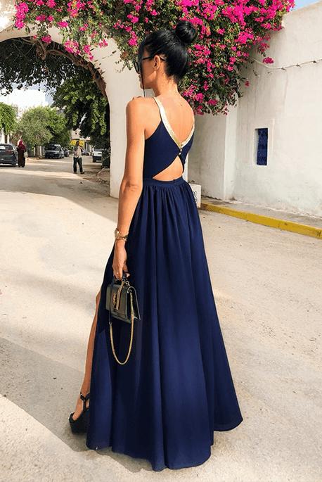 Długa granatowa sukienka na studniówkę