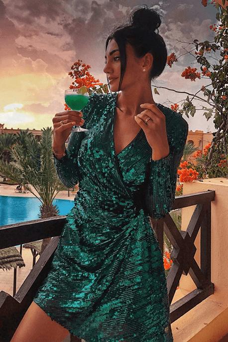 Cekinowa sukienka na Sylwestra