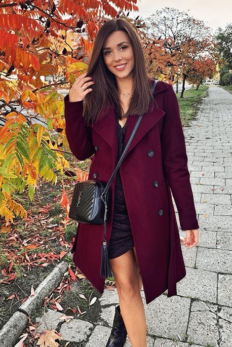 Ocieplany jesienny bordowy płaszcz